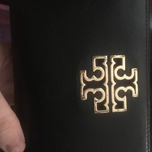 Tory Burch zippered wallet